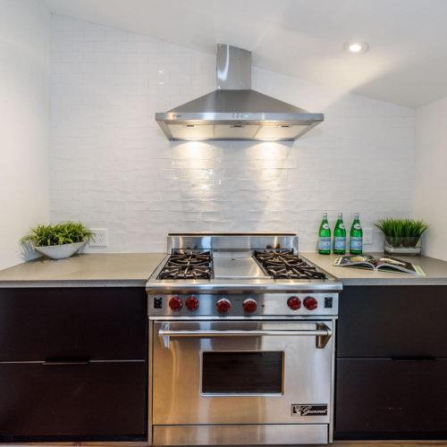 912783 491 Strathmore Blvd-large-024-59-Kitchen-1498x1000-72dpi