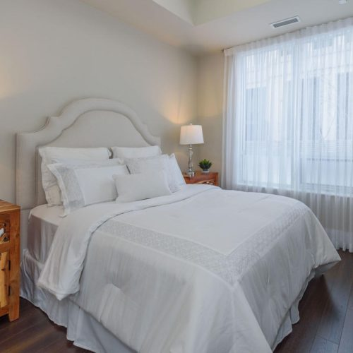 934812 112120 Harrison Garden-large-030-25-Master Bedroom-1498x1000-72dpi